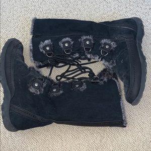 Nine West black faux fur lace up boots 5